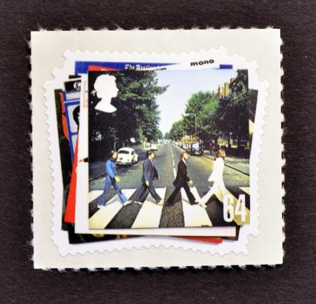 イギリス - 2007 年頃: A イギリスで印刷を示すスタンプ、ビートルズ ポップ グループのアルバム カバー、2007 年頃