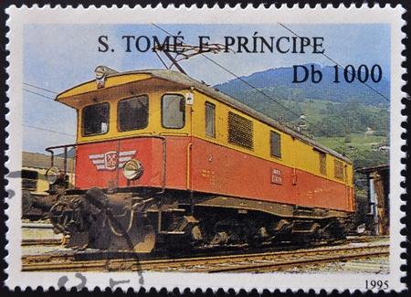 tomo: SAO TOME E PRINCIPE - CIRCA 1995: Un timbro stampato in Sao Tome mostra un treno, circa 1995