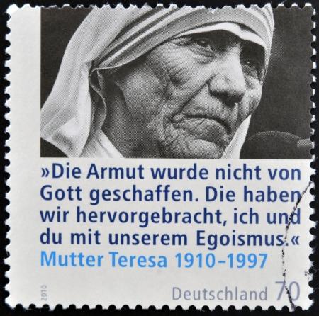 philatelist: DEUTSCHLAND - CIRCA 2010: Eine Briefmarke gedruckt in Deutschland zeigt, Mutter Teresa, circa 2010 Editorial