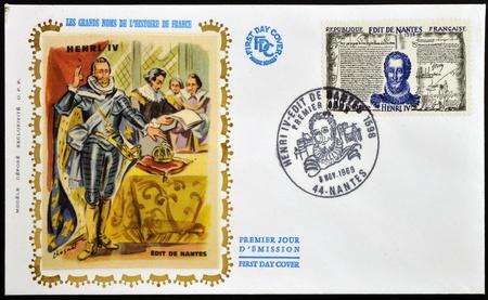 edicto: FRANCIA - CIRCA 1969: Un sello impreso en Francia muestra Edicto de Nantes y Enrique IV de Francia, alrededor de 1969 Editorial