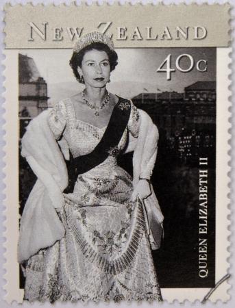 queen elizabeth ii: NEW ZEALAND - CIRCA 2001: stamp printed in New Zealand shows Queen Elizabeth II, circa 2001 Editorial