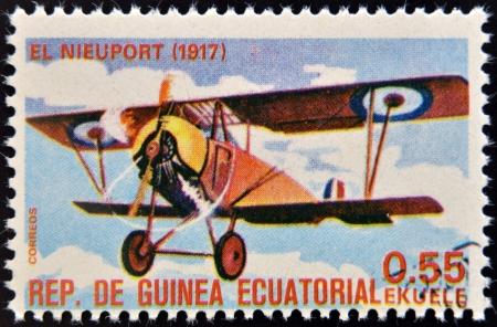 sello postal: GUINEA ECUATORIAL - CIRCA 1974 Un sello impreso en Guinea dedicada a la historia de la aviaci�n muestra Otto Lilienthal