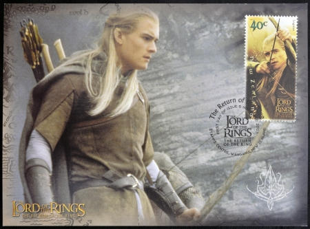 ニュージーランド - 2003 年頃: 切手が、ニュージーランドが印刷された 2003 年頃のリング三部作の主のレゴラスは弓で撮影を示しています