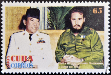 sukarno: CUBA - CIRCA 2008: Stamp printed in cuba shows President Sukarno of Indonesia and Fidel Castro, circa 2008