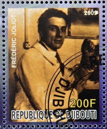 frederic: DJIBOUTI - alrededor de 2009: sello dedicado al premio Nobel de qu�mica francesa muestra Frederic Joliot, alrededor del a�o 2009