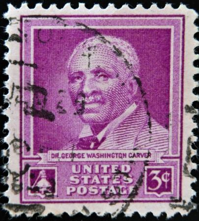 trinchante: ESTADOS UNIDOS DE AMERICA - CIRCA 1948 Un sello impreso en los EE.UU. muestra el Dr. George Washington Carver, alrededor de 1948