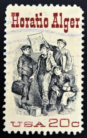"""alger: STATI UNITI D'AMERICA - CIRCA 1982: Un timbro stampato negli Stati Uniti mostra Frontespizio da """"Ragged Dick"""", da Horatio Alger, autore americano, circa 1982"""