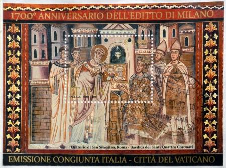 edicto: Italia - alrededor de 2013: Un sello impreso en Italia dedicado al aniversario del Edicto de Milán Editorial