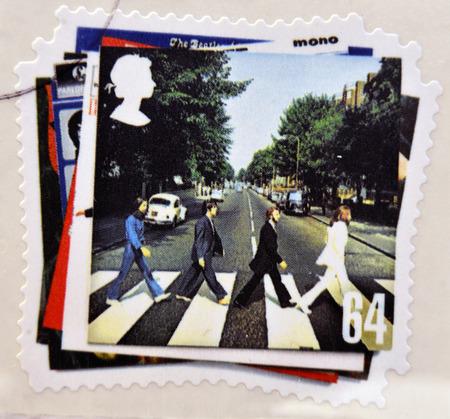 イギリス - 2007年年頃: 切手ビートルズ、2007 年頃の大修道院の道アルバム カバーのイメージを示すイギリスで印刷されます。 報道画像