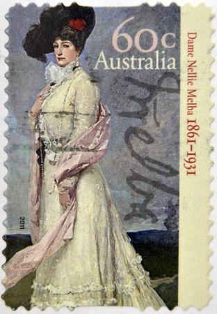 melba: AUSTRALIA - alrededor de 2011: Un sello impreso en australia muestra Dame Nellie Melba, alrededor del a�o 2011 Editorial
