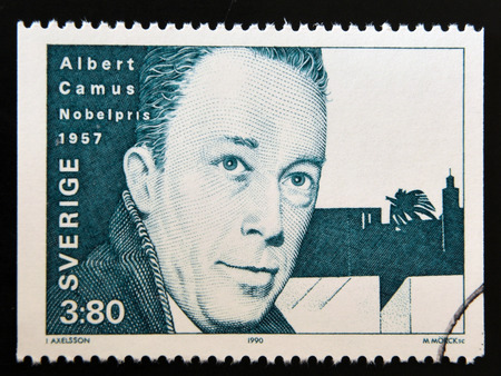 SWEDEN - CIRCA 1990: A stamp printed in the Sweden shows Albert Camus, Nobel Prize for Literature in 1957, 1957, circa 1990 Stok Fotoğraf - 46842347
