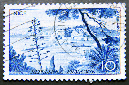 postes: FRANCE - CIRCA 1958: A stamp shows view of Nice