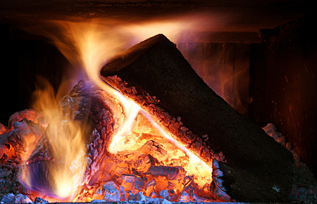 smolder: wood burning in the fireplace