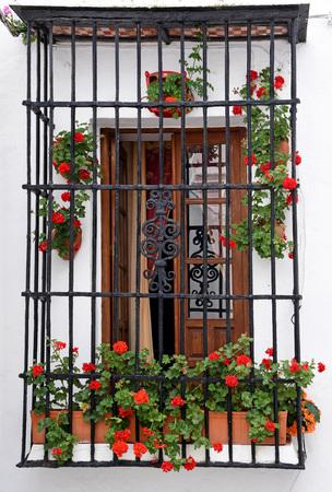 traditional Andalusian balcony in Vejer de la Frontera, Cadiz Imagens