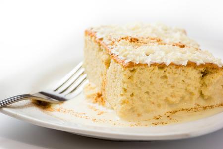 3 つのミルクのケーキ、ラテン アメリカの伝統的なデザート
