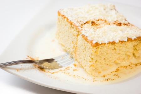 tres: Three milk cake, Traditional dessert of Latin America