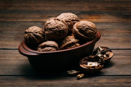 Walnuts on a wooden table 版權商用圖片 - 123030088