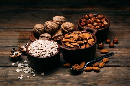 Different types ingredients to make vegan milk 版權商用圖片