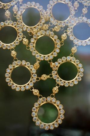 necklase: golden necklase