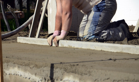 concreting: smooth concreting the floor