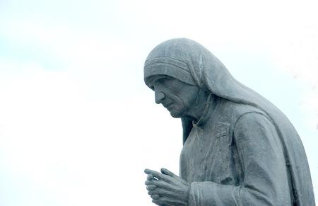 Standbeeld van Moeder Teresa in StrugaMacedonia
