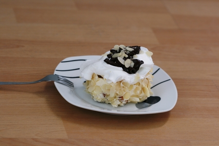 tempt: Picture of a Almond white  chocolate cake