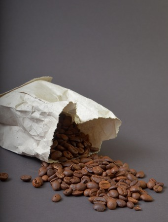 espreso: Picture of a Roasted coffee on  brown background