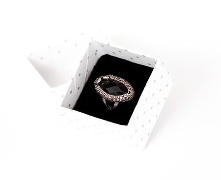 faceting: fashion ring with black gem, picture of a