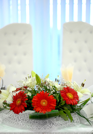 picture of a wedding table with beautiful flowers