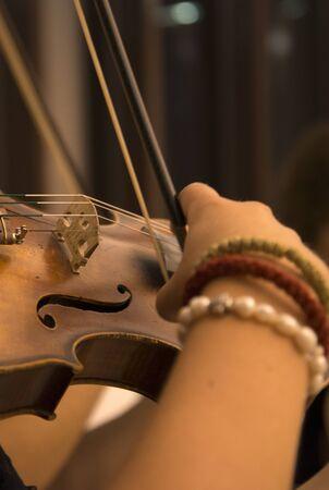 violinista: picture of a Woman Violinist playing violin Foto de archivo