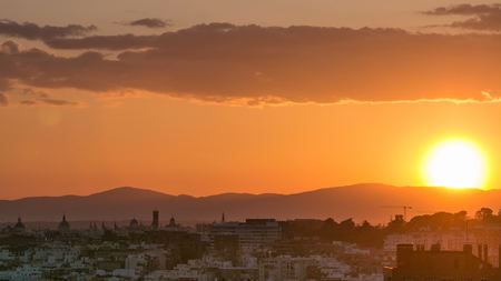 Sunset over the city timelapse View of Madrid, Spain. Photo taken from the hills of Tio Pio Park, Vallecas-Neighborhood. 4K Banco de Imagens