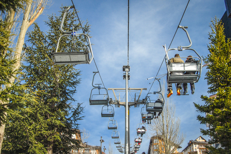 the ski lift takes you up for wonderful views of the Sierra Nevada mountains and of course some great skiing
