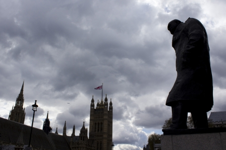 Silhouette of Churchill and Houses of Parliament, Westminster 写真素材