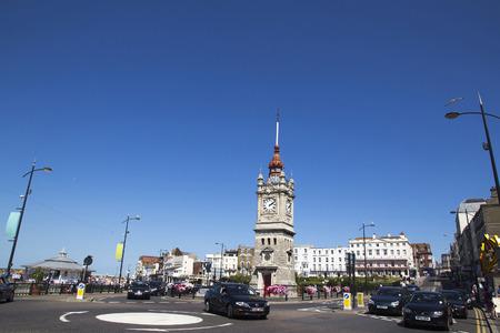 마 게 잇, 영국 -2011 년 8 월 8 일. 시계탑 공식적으로 1889 년 5 월 24 일 여왕 Victorias 탄생 70 주년을 열었습니다. 구리 타임볼은 엘리자베스 2 세 다이아몬
