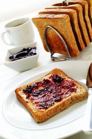 tast: bread toasted breakfast