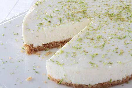 ライムのレアチーズ ケーキ 写真素材