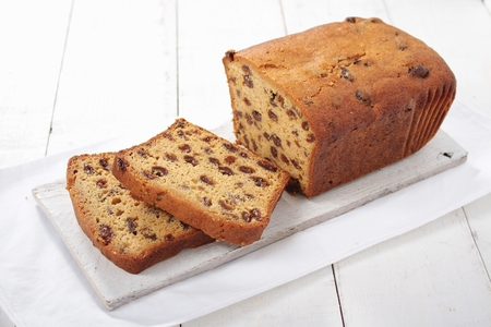 sliced fruit: sliced fruit loaf