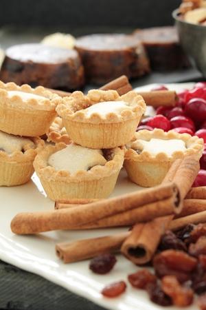 carne picada: pasteles de carne recién horneadas