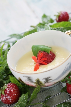 summer pudding: white chocolate mousse dessert Stock Photo
