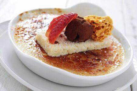 brulee: creme brulee plated dessert
