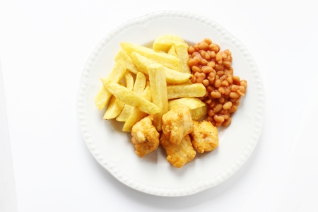 chicken nuggets: chicken nuggets with chips plated meal