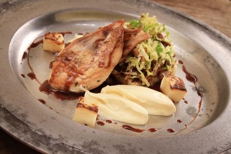 kuropatwa: roast partridge plated meal Zdjęcie Seryjne