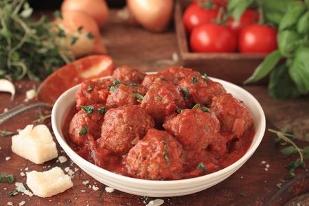 appetising: italian meatballs with spaghetti
