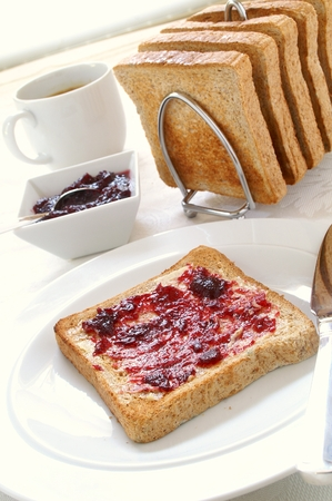 toasted: sliced toasted brown bread with jam