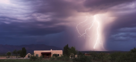 glows: A Dance of Lightning Strikes in the Mountain Foothills