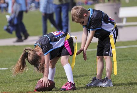 FLAGSTAFF, ARIZONA, MAY 14. Foxglenn Park on May 14, 2016, in Flagstaff, Arizona. A flag football game for 5 and 6 year olds at Foxglenn park in Flagstaff, Arizona. Sajtókép