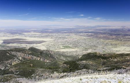 Une vue aérienne de Sierra Vista, Arizona, de Carr Peak dans les montagnes de Huachuca Banque d'images - 76652746