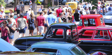 SANTA FE, NEW MEXICO, JULY 4. The Plaza on July 4, 2017, in Santa Fe, New Mexico. A Crowd Enjoys a Vintage Car Show, a Tradition on the Fourth of July in Santa Fe, New Mexico.