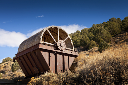 Old mining equipment in the desert near Como, Nevada. This is called an Oliver Filter and was used to separate material. Banco de Imagens - 68487984