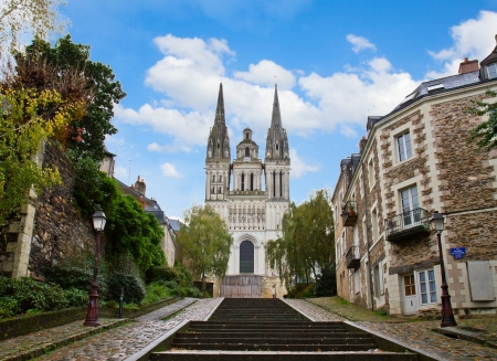 francais: cathedral church of  Saint Maurice,  Angers, France